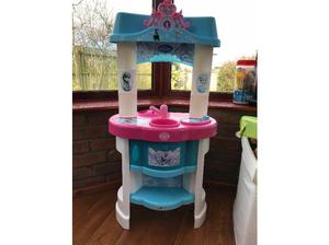 Free Childrens Kitchen in Selby