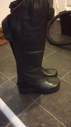 brand new riding boots size 4