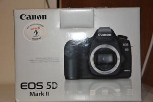 canon 5d mark 2 camera body only very good condition battery charger trap