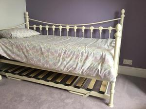 Versailles Day Bed - Single
