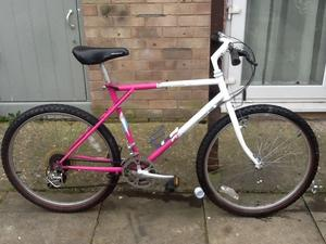 £30 bike 26 wheel 20 frame 18 gears all working in good condition can deliver or petrol cost
