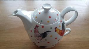 Alex Clark 'Rooster' tea pot and cup for one