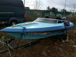 15ft speed boat with evinrude outboard with trailer