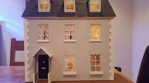 Beautiful fully furnished dolls house