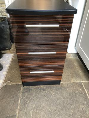 Chest of drawers used but in excellent condition