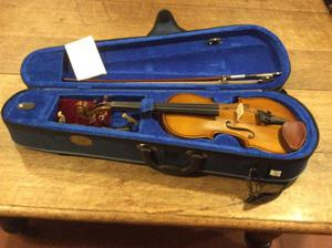 1/2 size stentor violin in excellent condition
