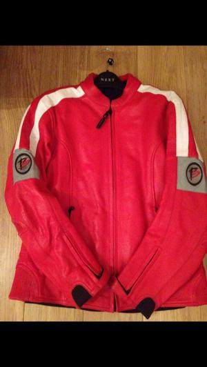 Lady's bike leathers jacket trousers 2 pairs gloves never been worn over £400 worth sell for £150