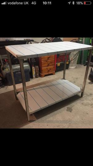 Stainless steel catering preparation table