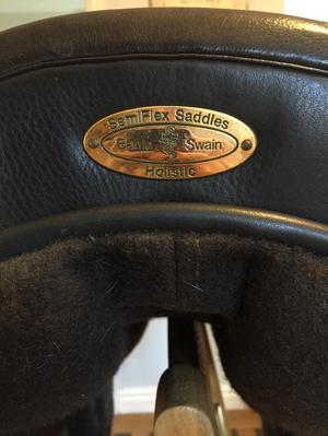 "Barrie Swain Holistic Semi Flex Jump Saddle ""17"""