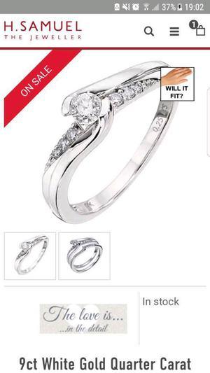 9ct White Gold Diamond Ring. H Samuel. Stunning