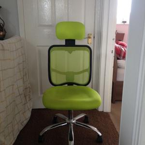 Computer / gaming chair. Hardly used. Excellent condition