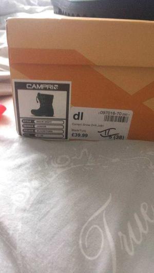 Ladies size 5 black ski boots brand new