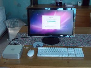 Apple MAC Mini - A + Dell STb Monitor