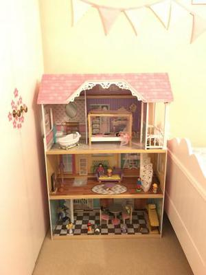 Beautiful tall dolls house; played with time after time