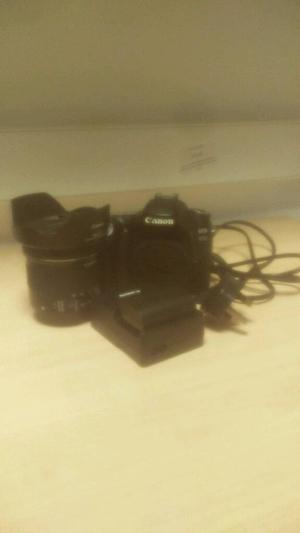 Canon 80D Wide Angle Bundle (Like New)