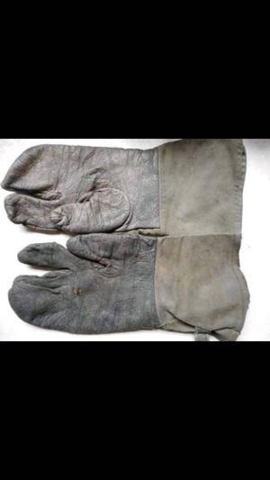 WW2 German motor bike gloves.