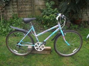 Ladies Bike / Raleigh Camaro Mountain Bike