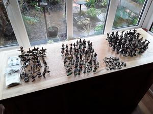 Large collection of Vintage metal soldiers