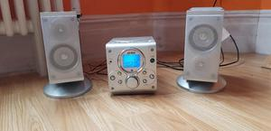 CD / Radio player with speakers