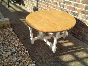 Drop Leaf round coffee table / side table