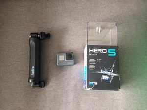 GoPro Hero 5 Black very good condition with accessories