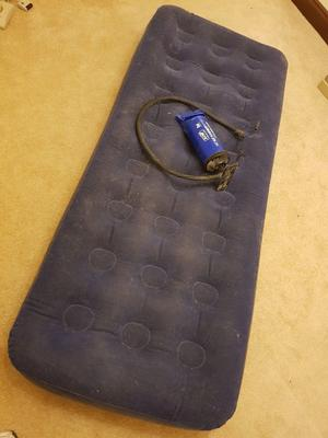 INFLATABLE AIR BED AND PUMP CAMPING EMERGENCY GUEST BEDDING 2 AVAILABLE BEDROOM SINGLE DOUBLE