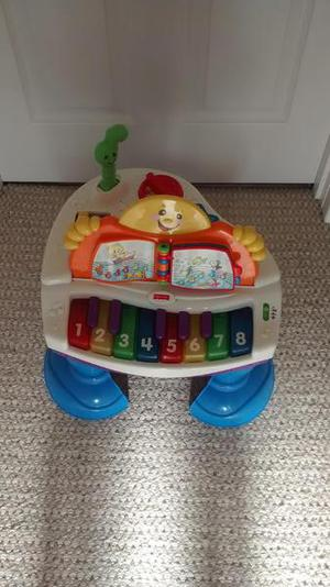 Musical piano/Play station - Fisher Price