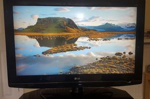 37 LG 37LG Full HD p Digital Freeview LCD TV with