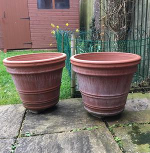 Two large Italian terracotta pots