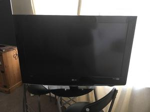 """32"""" LG TV for sale"""