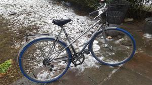 Raleigh Nova.Ladies Mixte Bicycle.