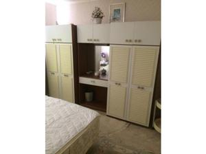 2 X DOUBLE WARDROBES WITH CENTRE VANITY UNIT, MIRROR AND