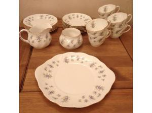 21 PIECE QUEENS FORGET ME NOT FINE BONE CHINA TEA SET in
