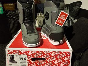 Mens Vans snowboard boots brand new