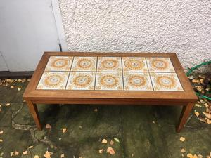 Retro 's Traditional Coffee Table with decorative tiled