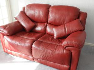 3 piece suite in beautiful wine red leather in Southampton