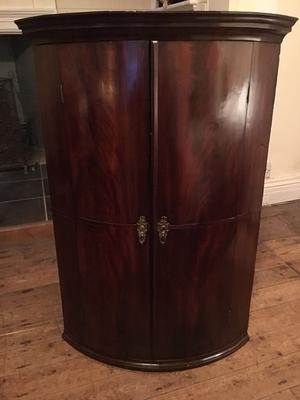 Antique Late 18th Century Bow Fronted Mahogany corner cupboard