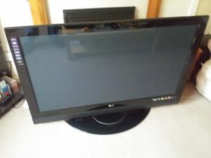 LG 50 INCH PLASMA TV WITH STAND SPAIRS OR REPAIR ***TV IN TROON****