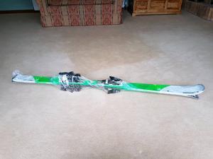Skis 160cm brand new