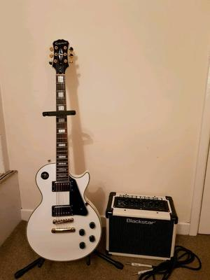Epiphone les Paul custom pro and blackstar amp