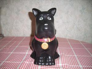 Ceramic Cookie Jar in Shape of Scottie Dog.