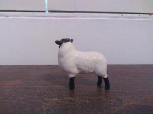 Beswick Black Faced Gloss Lamb (2)