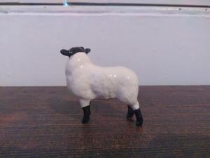 Beswick Black Faced Gloss Lamb