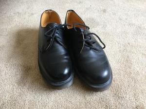 Dr Martens black shoes size 6