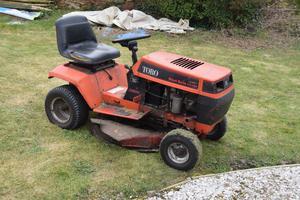 Toro Wheel Horse SB ride-on lawn mower