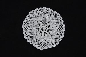 Vintage Style White Hand Crafted Doily Table Mat 20cm Round