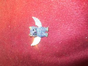 brooch butler and wilson angel wings cat.