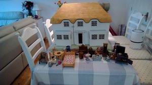's DOLLS HOUSE FOR CHILD OR HOBBY RENOVATION