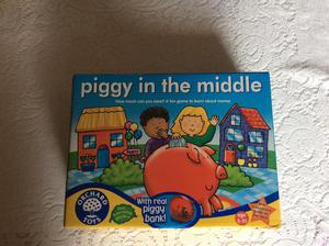Orchard Toys Piggy in the Middle game
