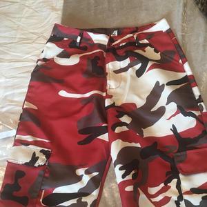 Trouser size M  brand new apr£15